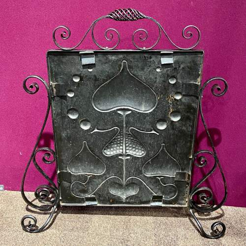 Arts and Crafts Wrought Iron and Copper Fire Screen image-4