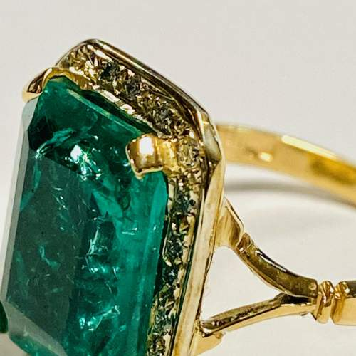 18ct Gold 6ct Emerald and Diamond Ring image-4