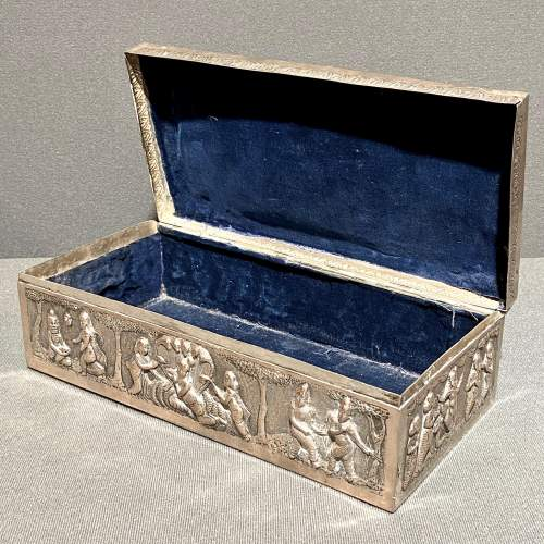 Large Decorative Indian Silver Casket image-3