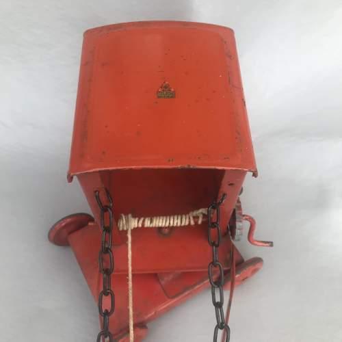 1960-70s Tri-ang Red Metal Crane image-6