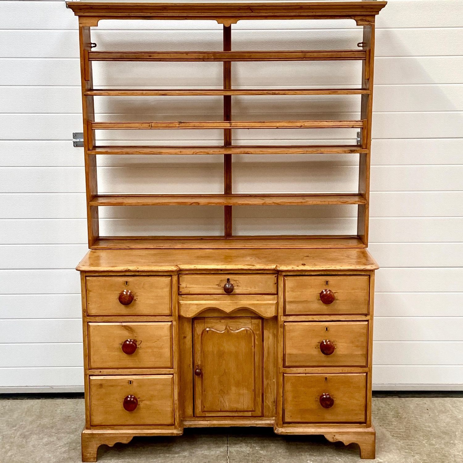 Picture of: Georgian Breakfront Pine Dresser Antique Dressers Hemswell Antique Centres