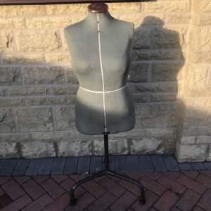 A Singer Shop Female Mannequin