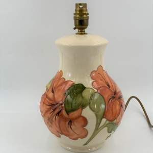 Moorcroft Pottery Hibiscus Pattern Lamp