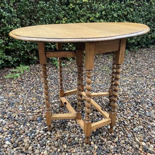 Small Light Oak Gateleg Supper Table with Barley Twist Legs image-1