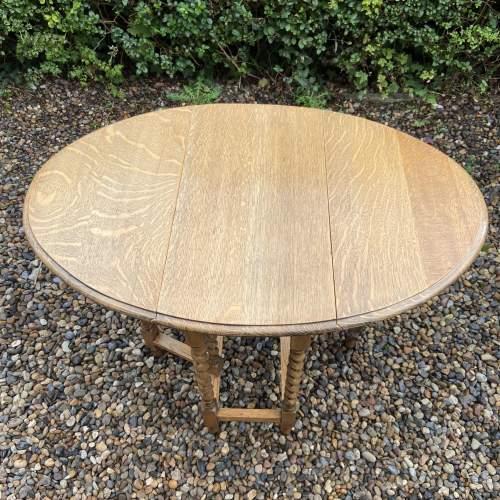Small Light Oak Gateleg Supper Table with Barley Twist Legs image-3