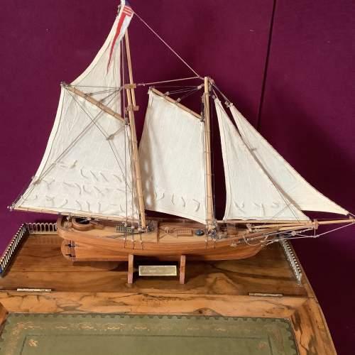 Beautiful Model Ship of America 1851 image-1