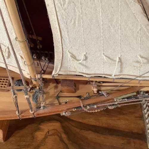 Beautiful Model Ship of America 1851 image-3
