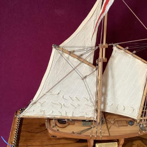 Beautiful Model Ship of America 1851 image-4