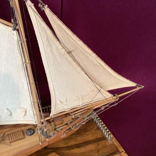 Beautiful Model Ship of America 1851 image-5