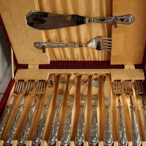 Cased Hallmarked 1939 Silver Handle 6 Place Setting Fish Service image-4
