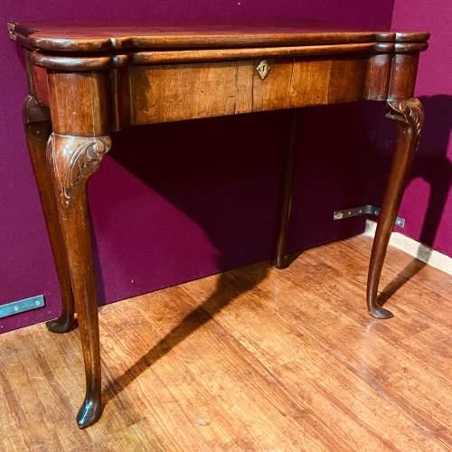 Early 18th Century Irish Mahogany Foldover Tea Table image-1