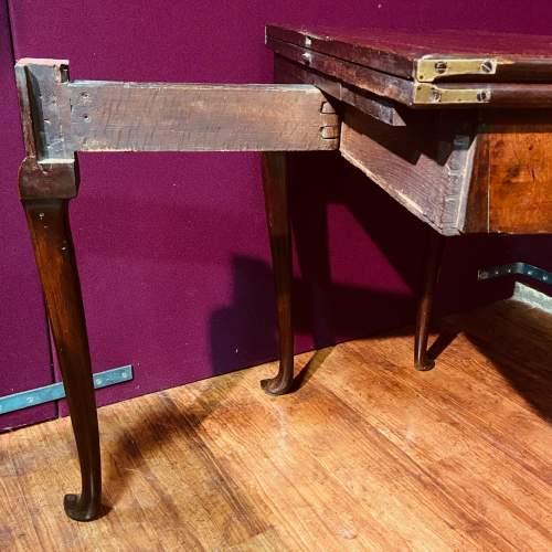 Early 18th Century Irish Mahogany Foldover Tea Table image-5