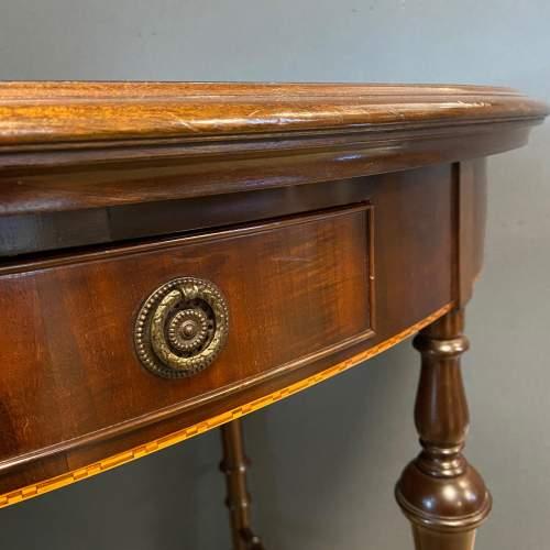 Edwardian Inlaid Mahogany Oval Table image-3