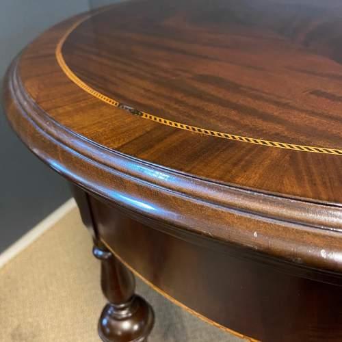 Edwardian Inlaid Mahogany Oval Table image-4