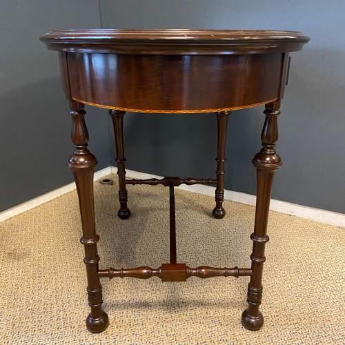 Edwardian Inlaid Mahogany Oval Table image-5