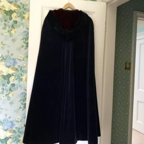 Outstanding Caroline Harris Velvet Designer Cloak image-3