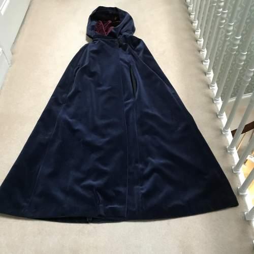 Outstanding Caroline Harris Velvet Designer Cloak image-4