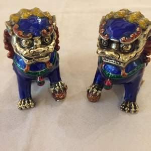Pair Of Chinese Dogs Of Fo 20th Century Export In Enamelled Brass