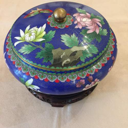 Japanese Cloisonne Bowl And Cover Standing On a Carved Base image-1