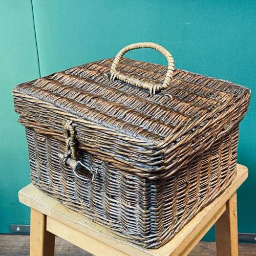 Vintage Small Wicker Picnic Basket image-5