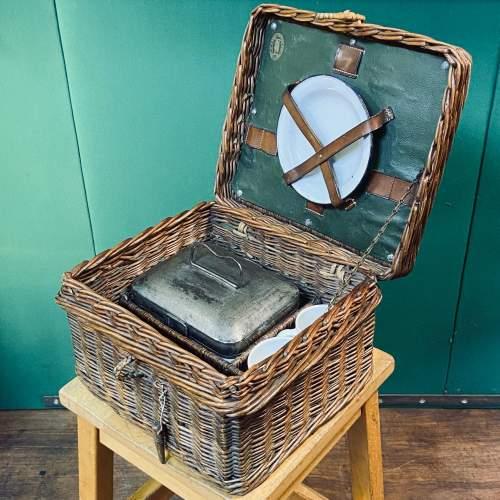 Vintage Small Wicker Picnic Basket image-4
