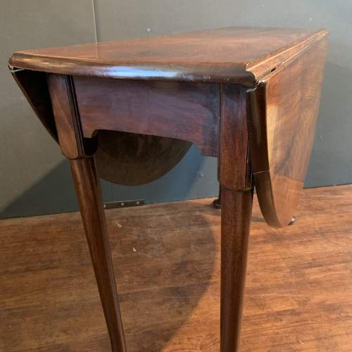 Georgian Mahogany Drop Leaf Dining Table image-4