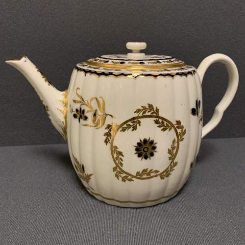 18th Century Blue and Gilt Worcester Teapot image-1