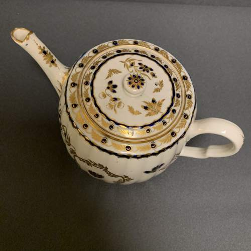 18th Century Blue and Gilt Worcester Teapot image-5