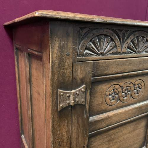 Ipswich Oak Dresser Base Circa 1900 image-5