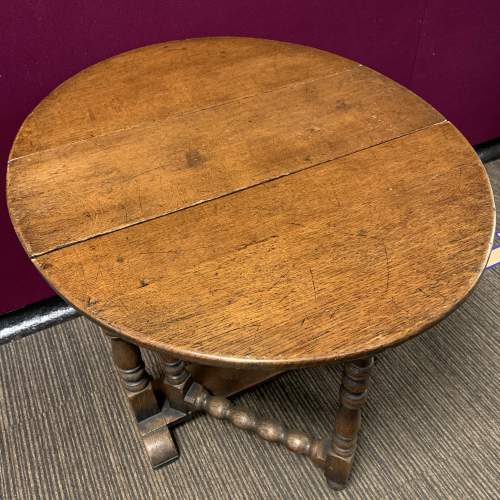 19th Century Gateleg Dining Table image-4
