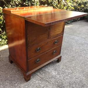 Early 19th Century Mahogany Bachelors Chest  of Small Proportions