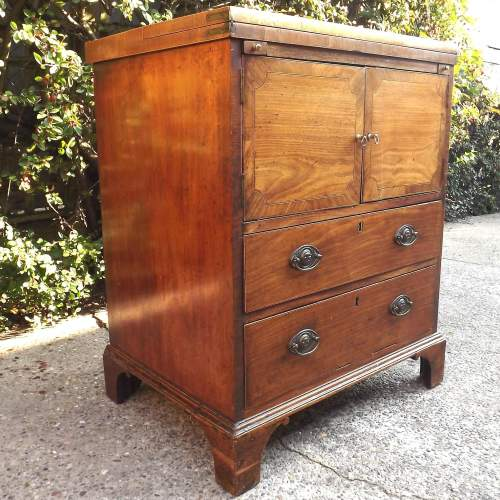 Early 19th Century Mahogany Bachelors Chest  of Small Proportions image-5