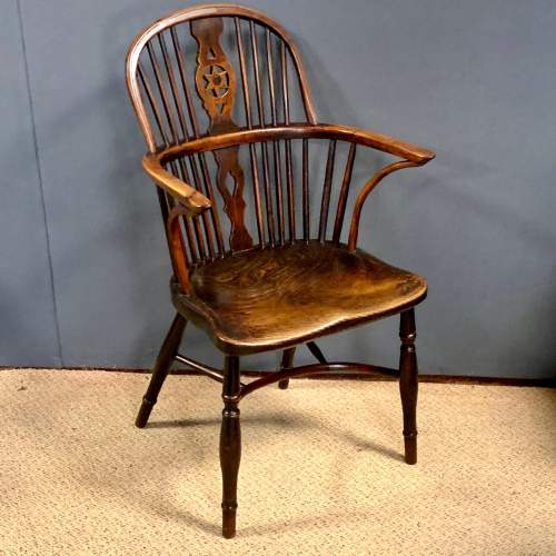 Early 19th Century Thames Valley Yew Wood Windsor Armchair image-1