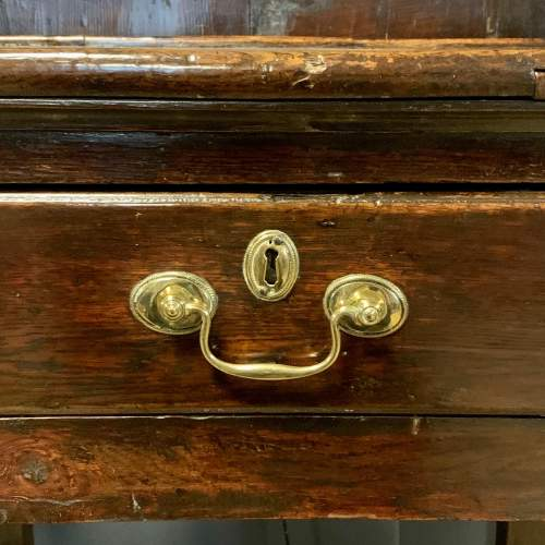 18th Century Oak Dresser and Rack image-6