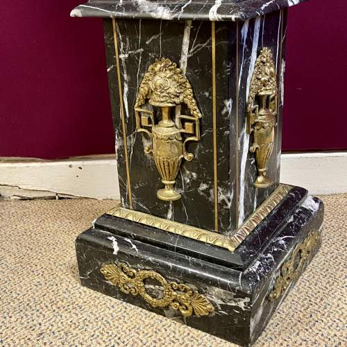 Fine Quality Italian Striated Marble and Gilt Brass Pedestal image-4