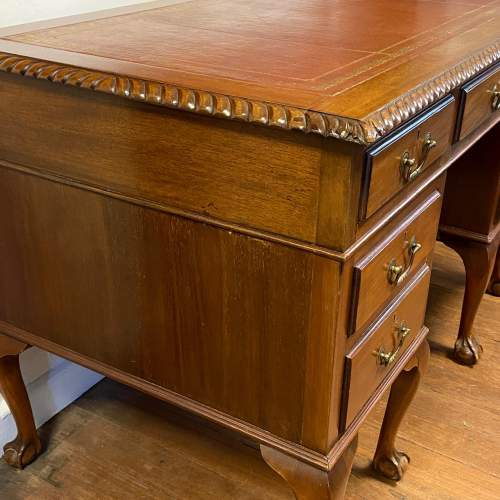 20th Century Mahogany Twin Pedestal Desk image-3