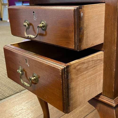 20th Century Mahogany Twin Pedestal Desk image-4