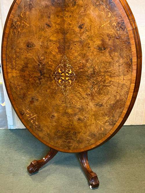 19th Century Large Tilt Top Inlaid Walnut Loo Table image-5