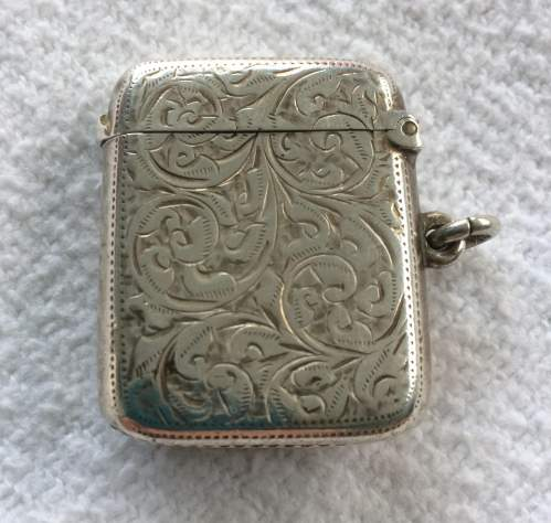Edwardian Silver Vesta with Enamelled Panel of Three Half Penny Stamp image-3