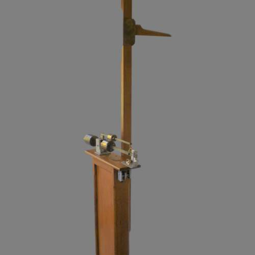 Late 19th Century Oak French Scales by makers Kuhn and Fletchel image-3