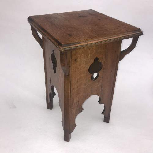 A Delightful Arts and Crafts Oak Table image-1