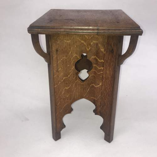 A Delightful Arts and Crafts Oak Table image-2