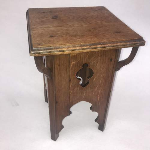 A Delightful Arts and Crafts Oak Table image-5