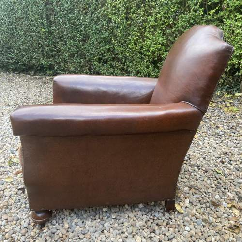 Classic Gentlemans Leather Club Armchair image-2