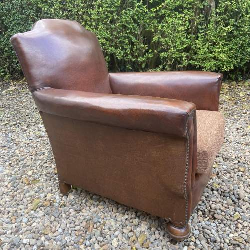 Classic Gentlemans Leather Club Armchair image-3