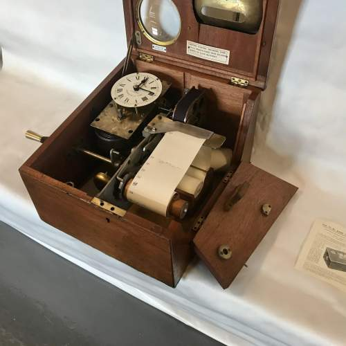 Time Recording Machine by Gledhill Brooks of Huddersfield England image-3