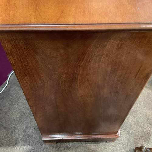 Victorian Mahogany Chest of Drawers image-5