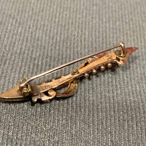 Edwardian 9ct Gold Bar Brooch with Seed Pearls image-4