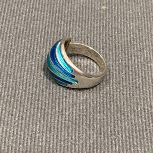 Modernist Silver and Turquoise Blue Banded Enamel Ring