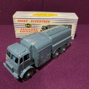 Dinky Pressure Refueller With Box